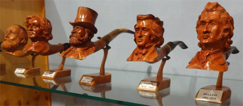 pipe sculptée en bruyère, musée de la pipe à Saint Claude